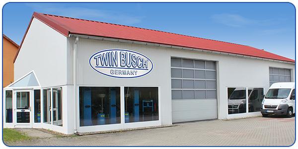 twin busch 2 s ulen kfz hebeb hne 4200kg basic line tw 242 g garagenmodell ebay. Black Bedroom Furniture Sets. Home Design Ideas